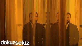 Cihan Mürtezaoğlu - Tam Ortasında (Lyric Video)