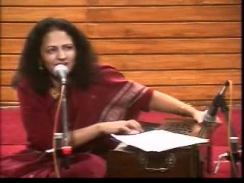 Seema sings 'Kiski Masjid Kaise Butkhane' by Mir Taqi Mir