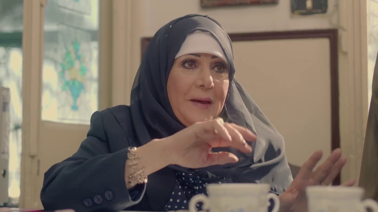 عسلية بتتكلم انجليزى و الحاجة فاطمة مش مصدقة ??????????