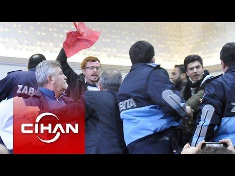 Yalova Belediye Meclisi'nde Ağaç Katliamı Protestosuna Biber Gazlı Müdahale