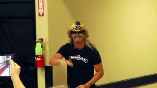 Bret Michaels Enters Petsmart for the Pets Rock Promotion