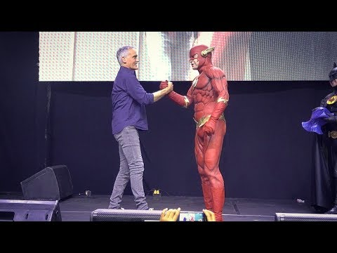 Emotional Farewell to John Wesley Shipp with The Cave at Comiccon Ecuador