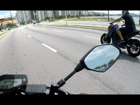 Largadinha de leve com uma Suzuki GSX-S 750...