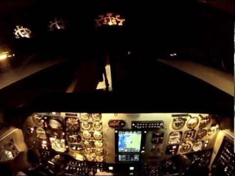 Full Flight Cockpit View - KingAir 200 -...