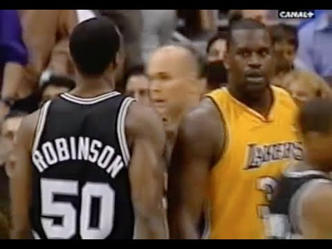 David Robinson (Age 35) Defense on Shaq - 2001 NBA WCF