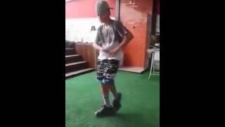 MC Pedrinho - Mandando o passinho