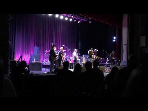Mendocino - Los Lobos with Dave Alvin - Live