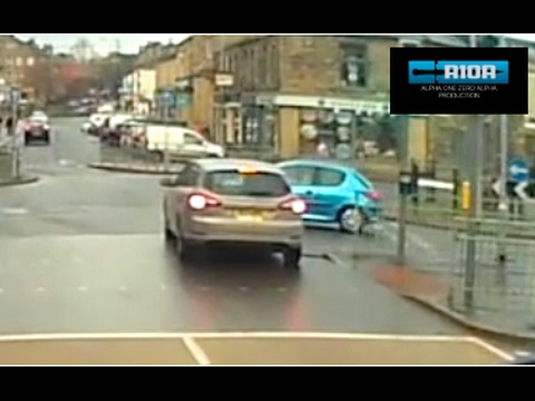 dash cam Idiot Drivers west yorkshire - january 2017