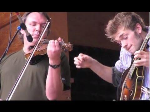 The Greatest Improv Mandolin Solo Ever: Chris Thile w. Mark O'Connor