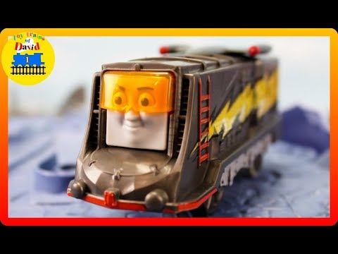 TRACKMASTER TURBO SPEED DIESEL PACK|THOMAS AND FRIENDS  Accidents Happen Kids playing Toy Trains
