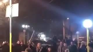 اردبیل !   در هوای سرد اردبیل مردم چهارشنبه سوری رابه کوری چشم آخوندها برگزار کردند   دیکتاتور در آت