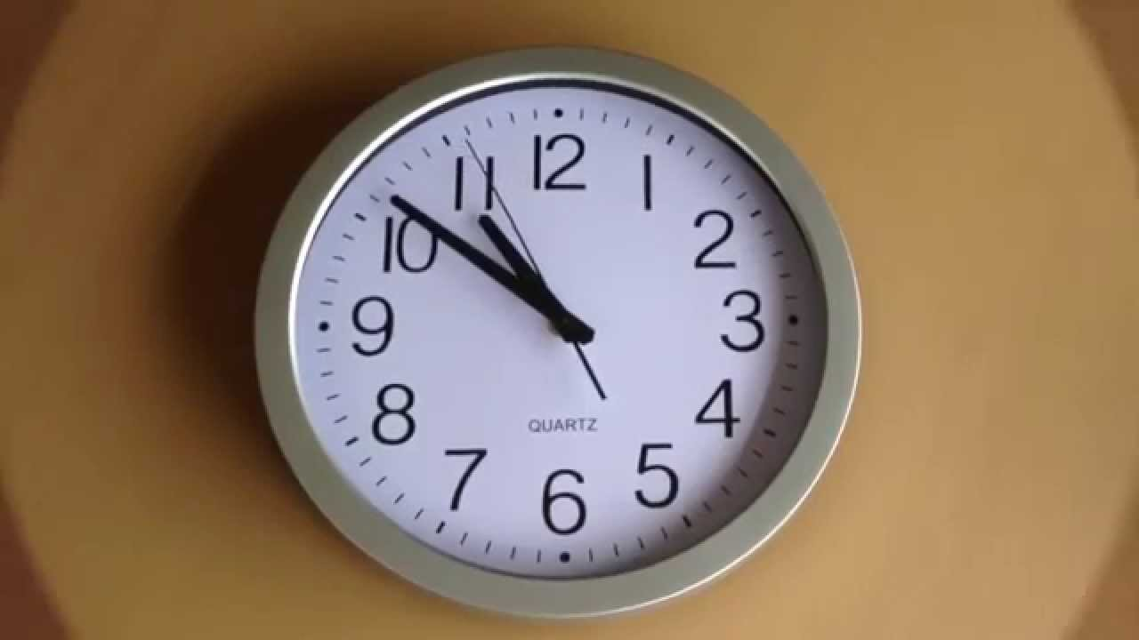 HomeFlav 10-inch Non-ticking Silent Quartz Wall Clock