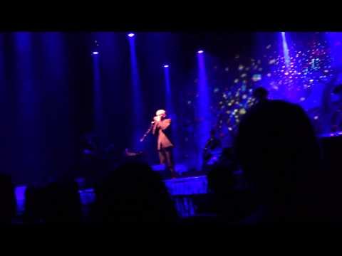 Paul Kelly singing Into Temptation