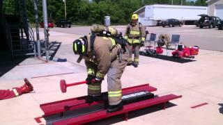 USA КИНО 60. Американские пожарные на тренировке. Эстафета.