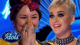 Скачать She SINGS I KISSED A GIRL BETTER Than Katy Perry On American Idol 2018 Idols Global