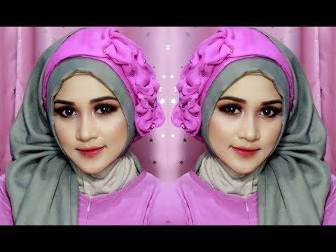 Hi there! Aku harap kalian suka sama tutorial hijab segi empat atau tutorial tudung bawal nya dan kalian juga bisa coba cara....