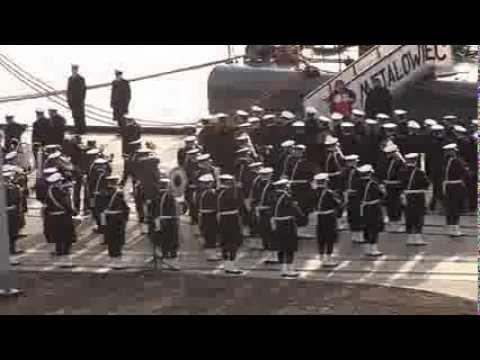 """Ostatnie opuszczenie bandery na ORP """"Metalowiec"""" i ORP """"Rolnik"""""""