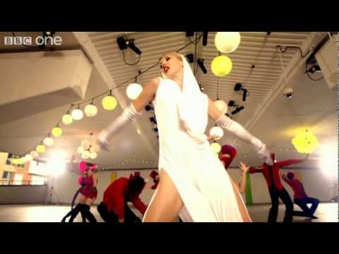 Kylie Minogue Con - Hustle - Series 6 Episode 1 Highlight - BBC One