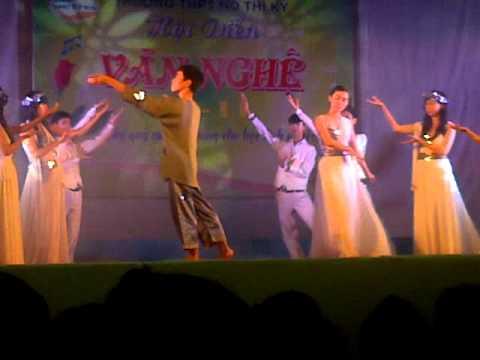 Văn nghệ 20/11/2012 THPT Hồ Thị Kỷ - Gặp Mẹ Trong Mơ 11C1