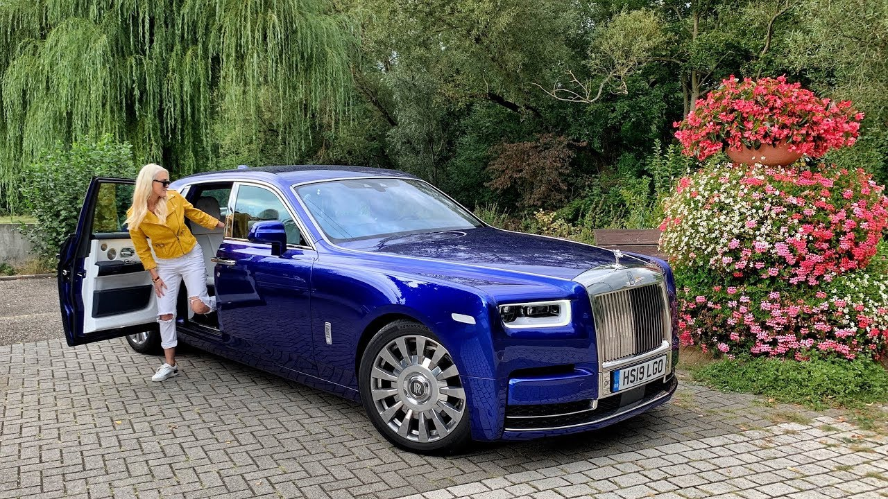 New Rolls Royce Phantom – World's Most Luxurious Car!