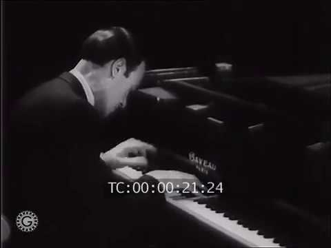 Alexander Brailowsky plays Chopin's Waltz in C-sharp minor, Op. 64/ 2