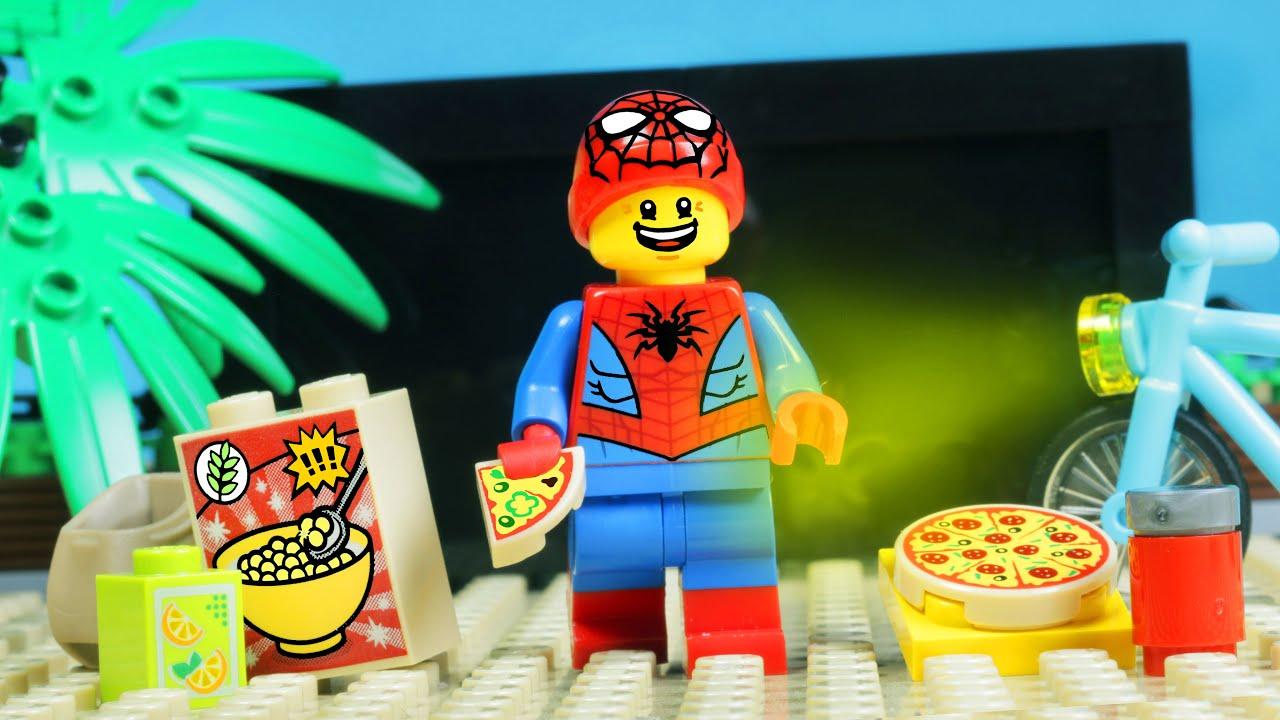 Lego Spider-Man Beach Cinema in Lego City