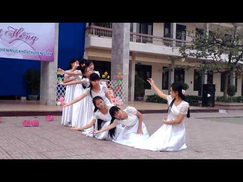 """Múa """"GẶP MẸ TRONG MƠ"""" - Khối Chuyên Toán - Lê Hồng Phong NĐ 2013"""