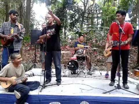 Egaliter-UKEBA (Ukulele Bandung)