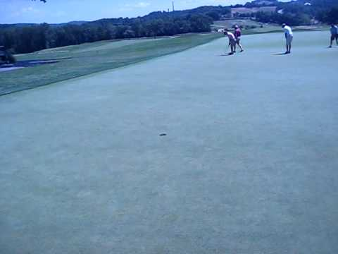 oakmont country club fastest greens in the world