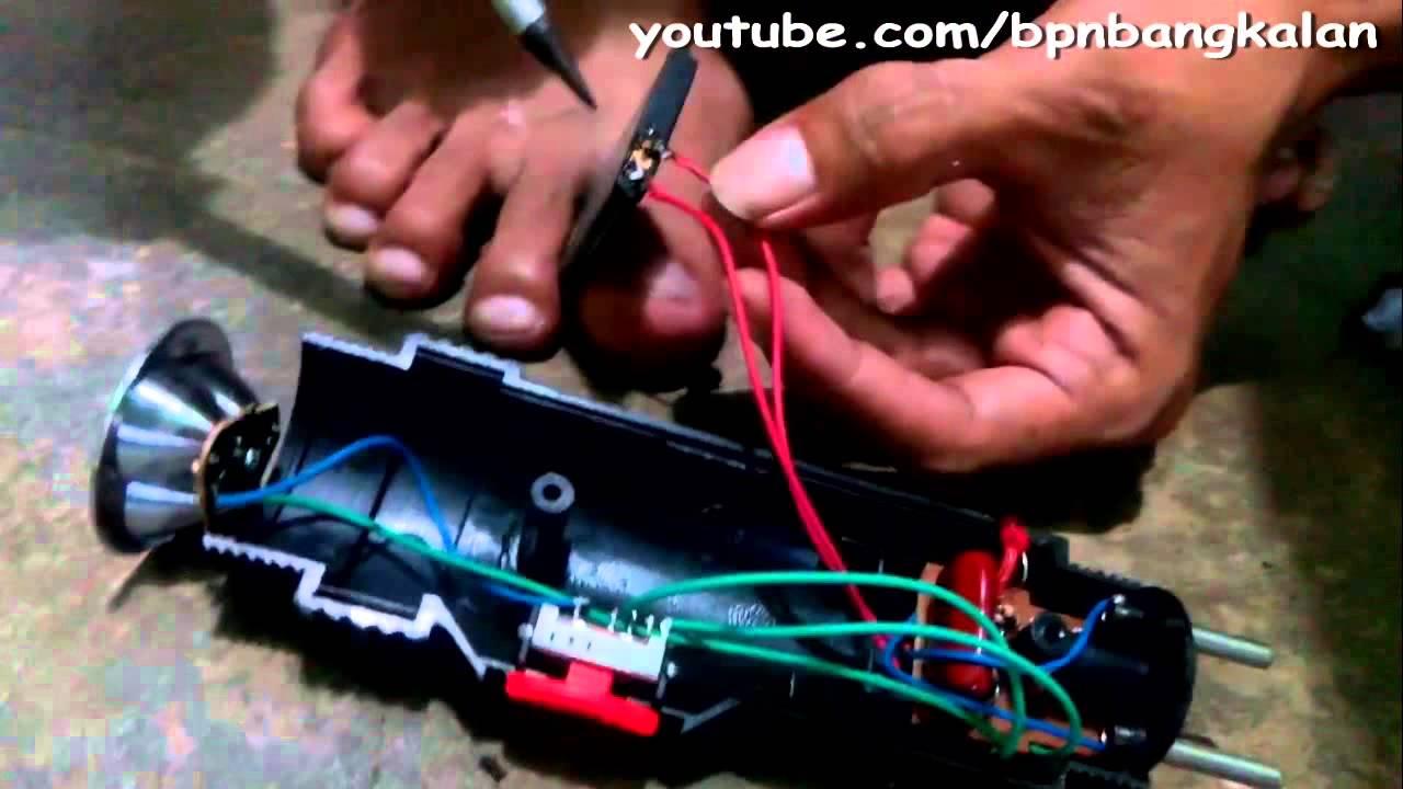 Cara Mengganti Baterai Raket Listrik Untuk Nyamuk Yang Drop Dengan
