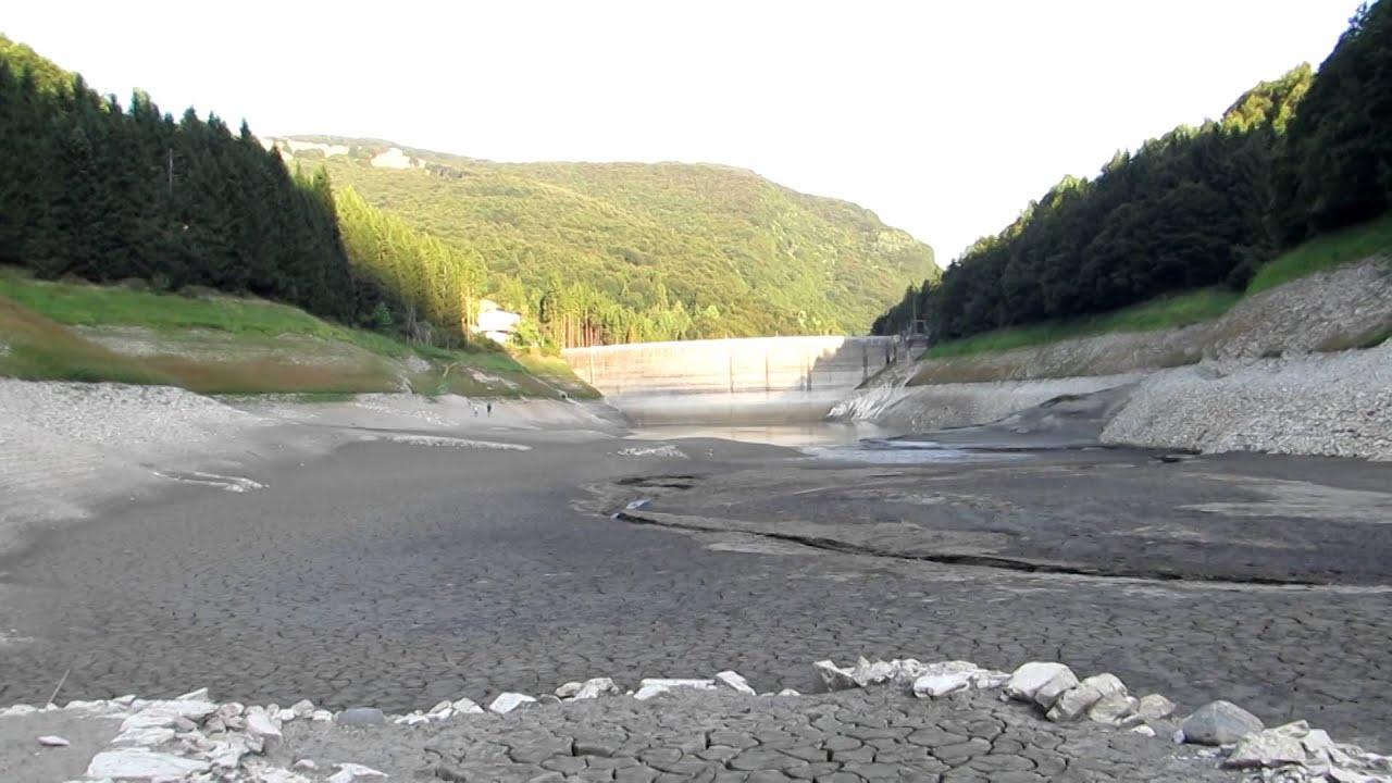 Lago pra da stua vuoto monte baldo trentino 30 08 2015 for Cabine del lago vuoto
