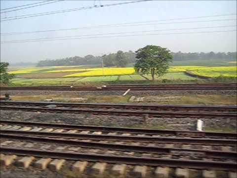 Wonders on Eastern Railways: Kanchanjungha Express Crosses Two Trains Within 30 Seconds