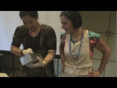 Leigh-Chantelle's Vegan Food Demo at D'Natural organic store with Indonesian translation