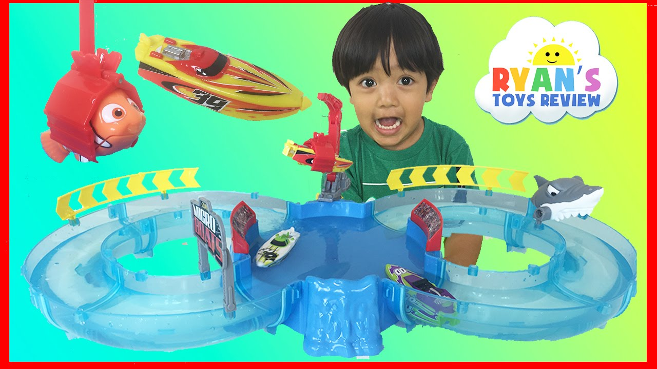 Zuru Micro Boats Racing Track Playset Toy for Kids - YouTube