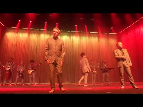 david byrne @ rio de janeiro: dog´s mind / everybody´s coming to my house