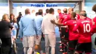 Beginilah Suasana `Panasnya` Lorong Ganti Derby Manchester 2013
