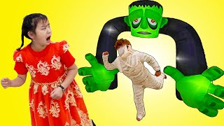 Jannie Pretend Play Mysterious Scary Adventures for Kids on Halloween| Funny Stories for Children