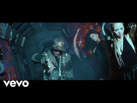 Video: Tyga – BuSSin Out Da Bag