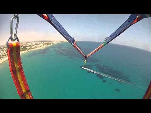 Vacance Hammamet Tunisie 2013 HD parachute