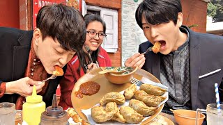 Baixar Koreans try Momo in India | First Time Reaction!