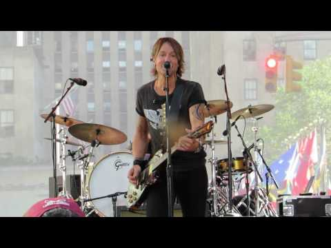 "Keith Urban ""Good Thing"" (Today Show) Live @ The Summer Stage at The Plaza"