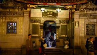 Funky Taiwan - Lung Shan Temple - 20101204 / Nikon D3100