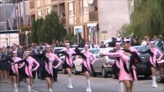 DOM ZUŠ Jeseník a Crazy girls - Mór - X. ročník mezinárodního festivalu - průvod městem