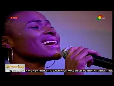 LIVE PERFORMANCE BY ASANTEWAA