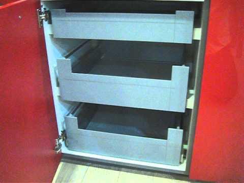 Cajones y gavetas interiores en bajo cocina youtube - Interiores de cajones de cocina ...