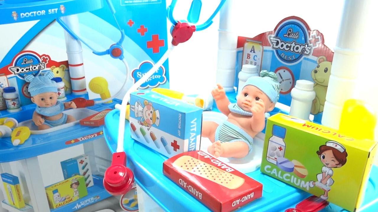 ba3fbc933 Kit De Doctor Hospital Medico De Juguete Para niños y niñas 24 Accesorios  Muñeco - YouTube