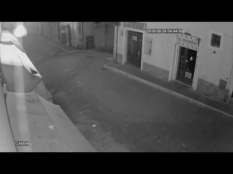 Terremoto 24/08/2016 Norcia via Roma  (Norcia Amatrice Accumoli)