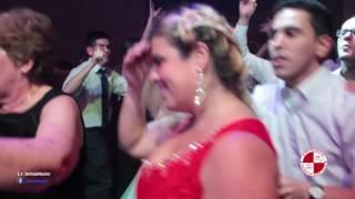 A alegria do carnaval num show de bateria na festa de casamento Buffet Villa Bisutti
