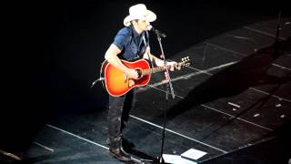 Brad Paisley - Acoustic medley + Mud On The Tires (live in Stockholm)