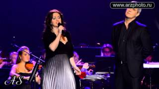 Download Tamara Gverdsiteli & Alessandro Safina- Guarda che luna Mp3 and Videos